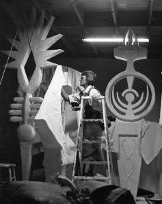 Sculptor Hannah Holliday Stewart, Matthews Gallery